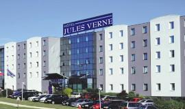 Lien vers l'article «Hôtel Kyriad Jules Verne **»
