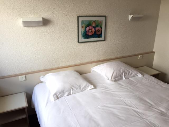 h tel proche puy du fou h tel proche du parc du puy du fou. Black Bedroom Furniture Sets. Home Design Ideas